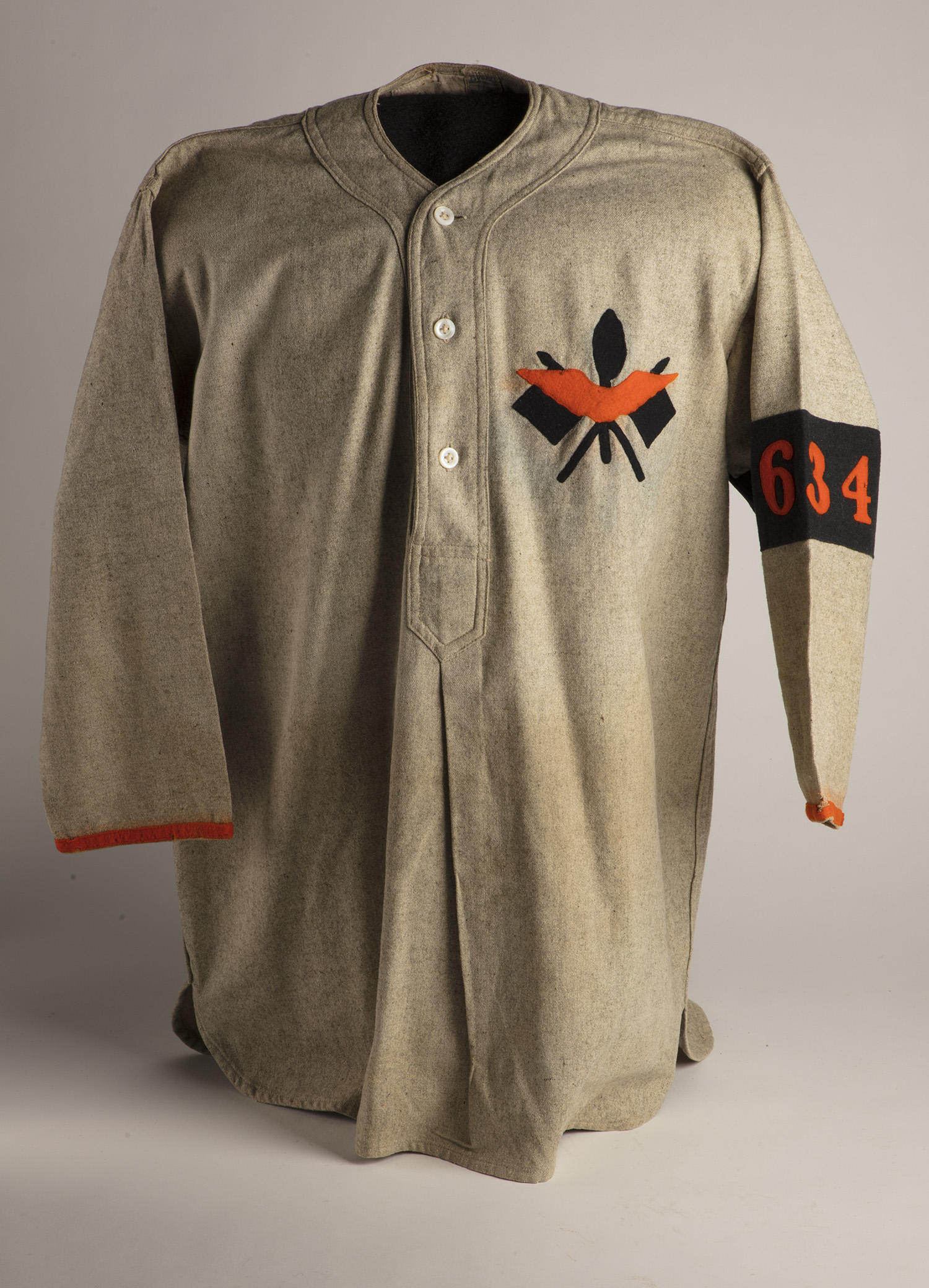 "This well-preserved World War I Army Signal Corps uniform was recently donated to the Hall of Fame by Ed Kaltreider, grandson of Walter Howard Kaltreider. <a href=""https://collection.baseballhall.org/PASTIME/world-war-i-army-signal-corps-shirt-1917"">PASTIME</a> (By Photographer Milo Stewart Jr./National Baseball Hall of Fame and Museum)"