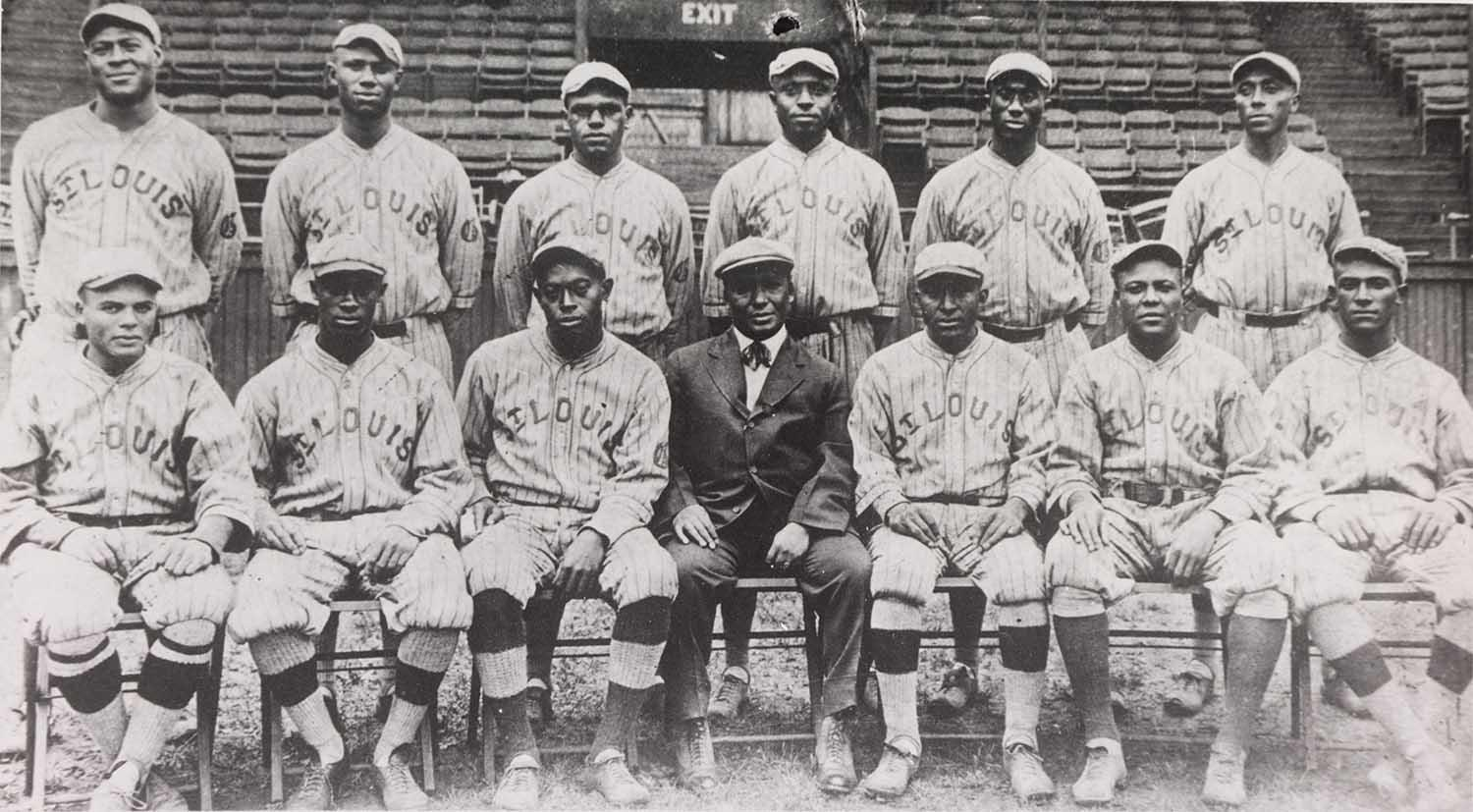 "A team photograph of the 1916 New York Giants of the Negro Leagues. <a href=""https://collection.baseballhall.org/PASTIME/st-louis-giants-team-photograph-1916-0"">PASTIME</a>"