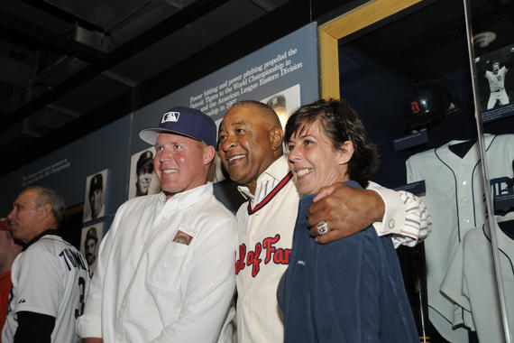 Fans meet Hall of Fame shortstop Ozzie Smith during 'A Night at the Museum' at the 2015 Hall of Fame Classic Weekend in Cooperstown, N.Y. (Milo Stewart, Jr. / National Baseball Hall of Fame)