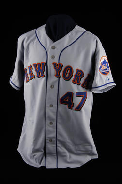 New York Mets jersey worn by Tom Glavine August 5, 2007, when he recorded his 300th career win - B-149-2007 (Milo Stewart Jr./National Baseball Hall of Fame Library)