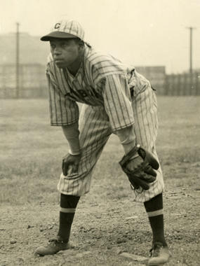 Judy Johnson of the Pittsburgh Crawfords - BL-6914-72 (National Baseball Hall of Fame Library)