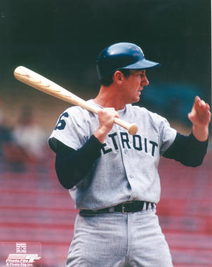 Al Kaline of the Detroit Tigers during batting practice - BL-4019-2000 (Photo File/National Baseball Hall of Fame Library)