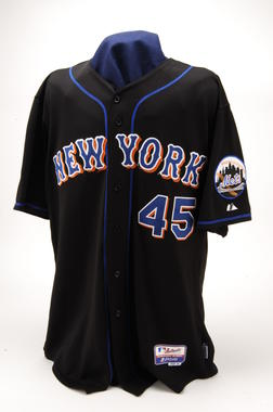 New York Mets jersey worn by Pedro Martínez when he became just the 15th hurler to log 3,000 strikeouts, September 3, 2007. - B-170-2007 (Milo Stewart, Jr./National Baseball Hall of Fame Library)