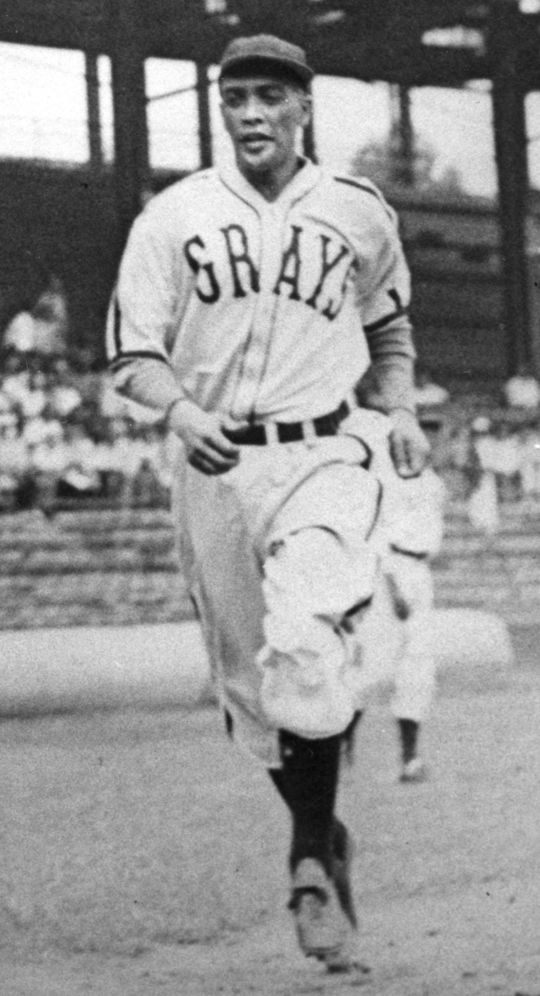 In addition to being one of the top Negro Leagues pitchers of his era, Ray Brown was also an excellent hitter who often played in the field on days he was not pitching. (National Baseball Hall of Fame and Museum)