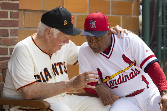 Gaylord Perry and Ozzie Smith chat prior to the Hall of Fame Classic on May 26, 2018. (Milo Stewart Jr./National Baseball Hall of Fame and Museum)